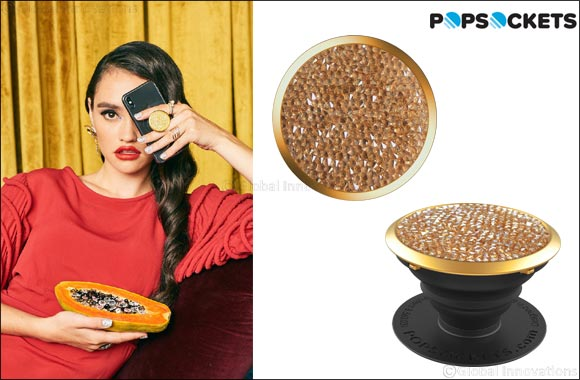 PopSockets launches a new collection with crystals from Swarovski, the must-have accessory for the Holiday season!